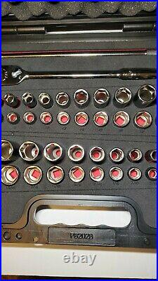 Snap On Tools 51Pc 3/8 Drive 6 Point FDX MM/SAE General Service Set 251YFSMBFR